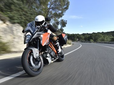REVIEW: KTM 1290 SUPER DUKE GT