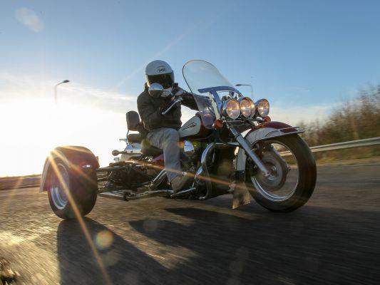 Parallel World Yamaha RD500 Concept   BeMoto