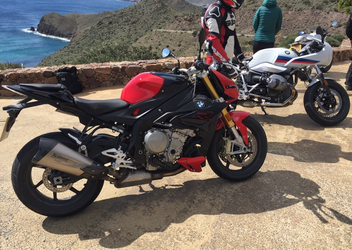 BMW S1000R and RnineT