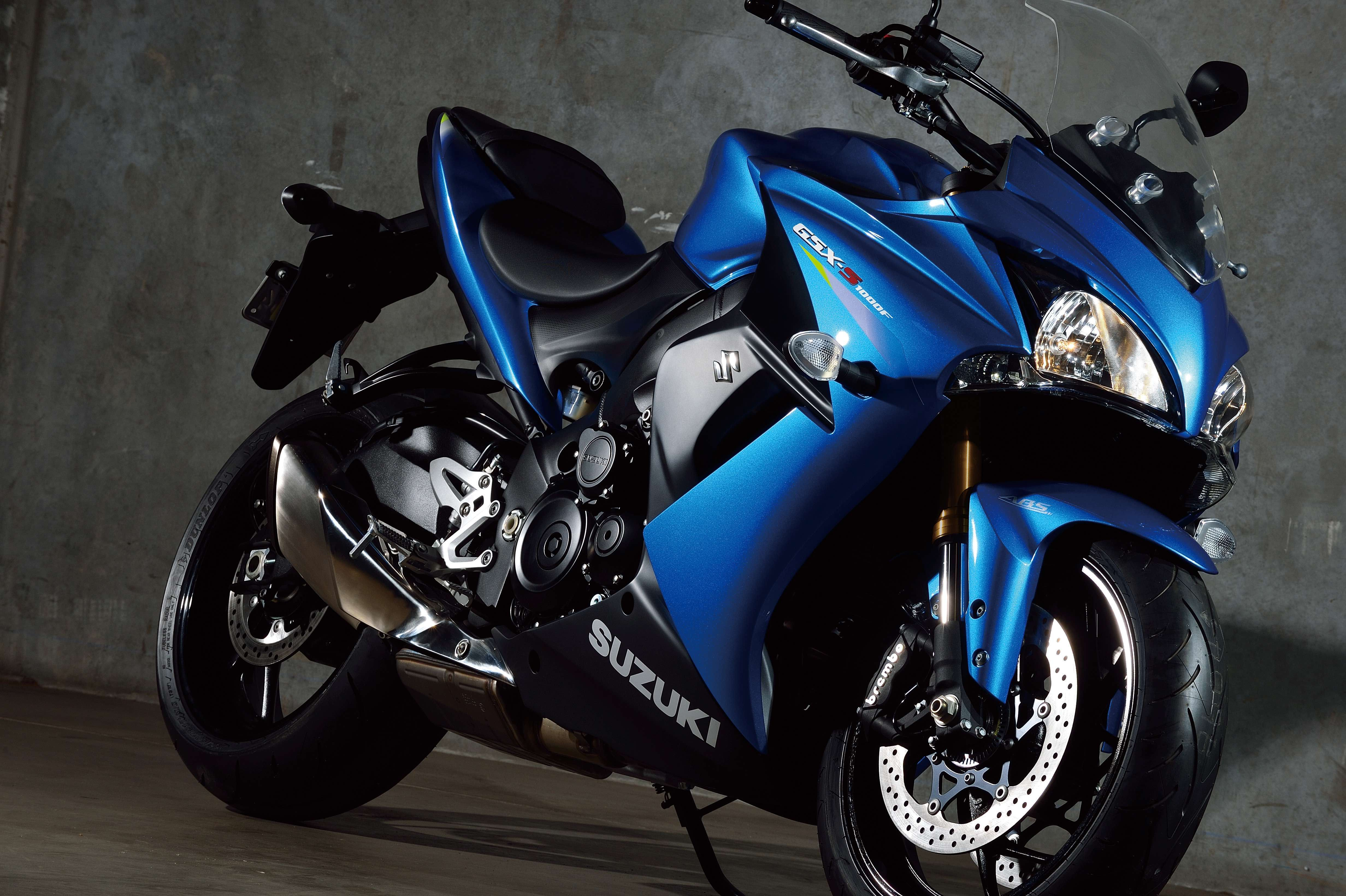suzuki gsx s1000f owner 39 s bike review bemoto. Black Bedroom Furniture Sets. Home Design Ideas