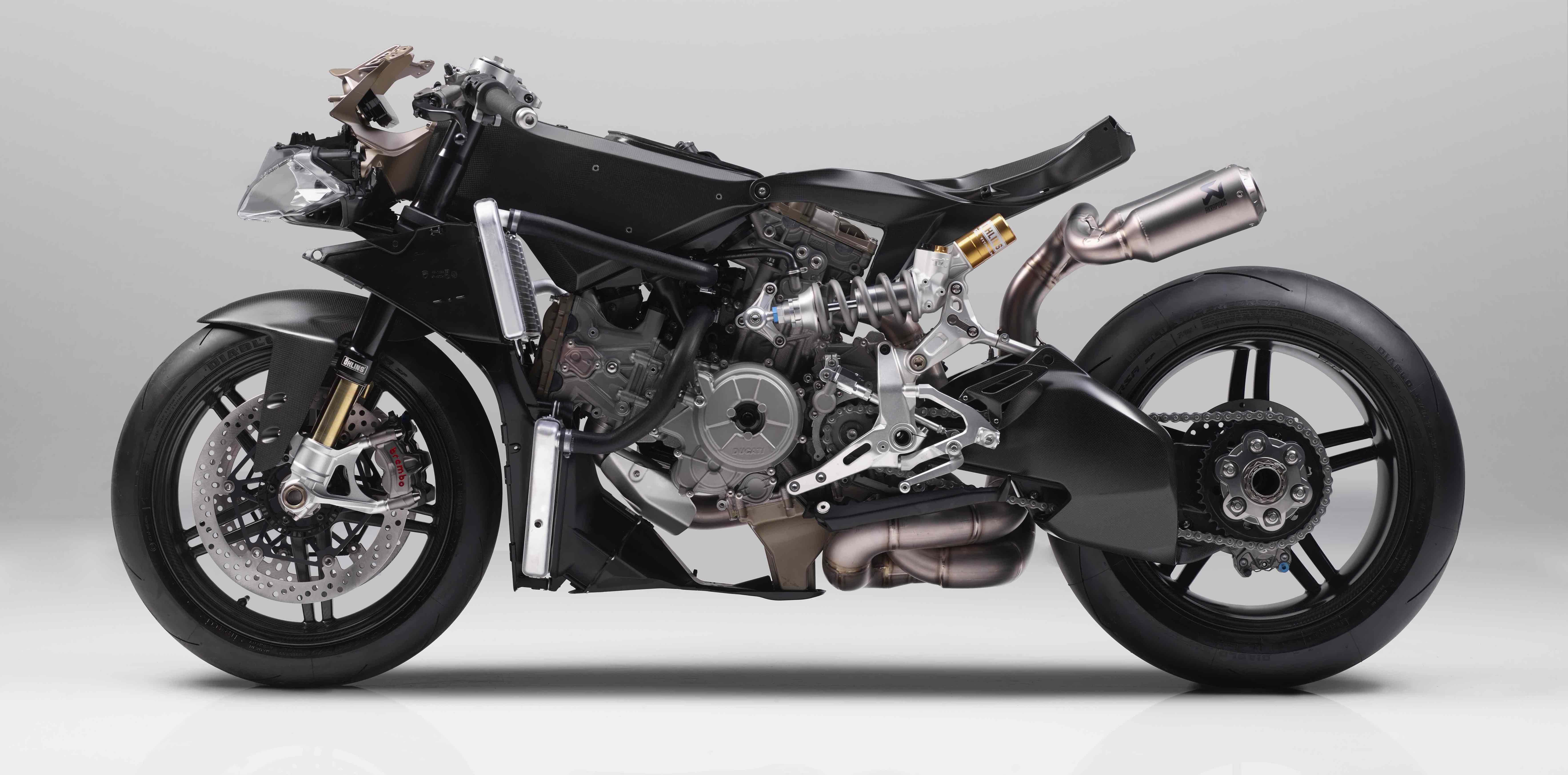 Superleggera-Naked