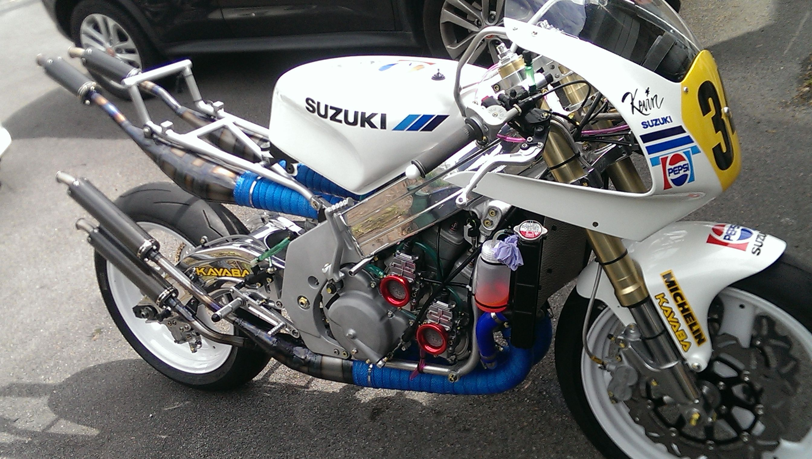 Custom Bike Build: Suzuki RGV500 | BeMoto