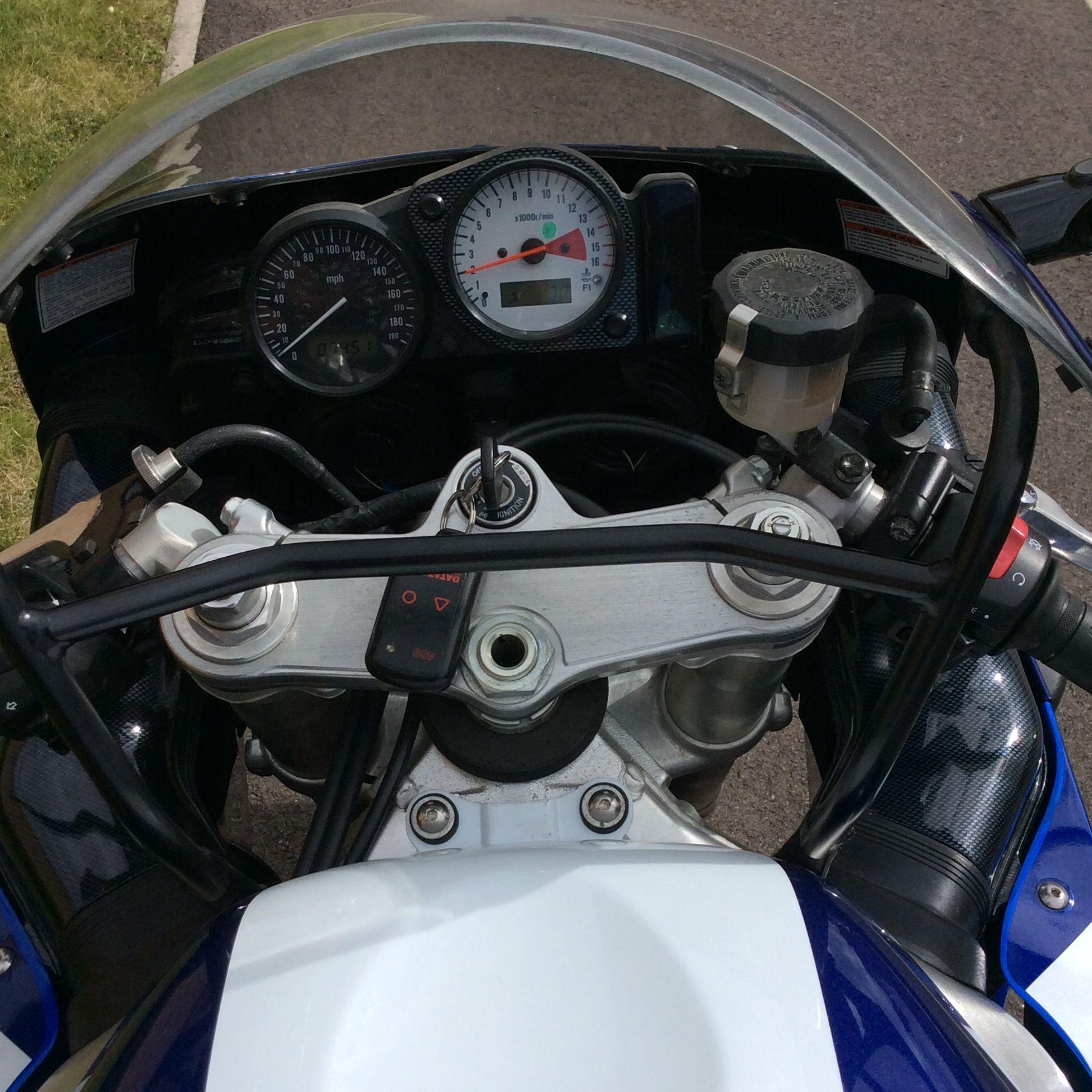 Modern Classic: SUZUKI GSX-R750 SRAD | BeMoto